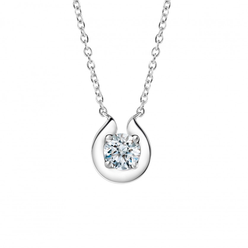 Lazare Bloom Pendant Necklace