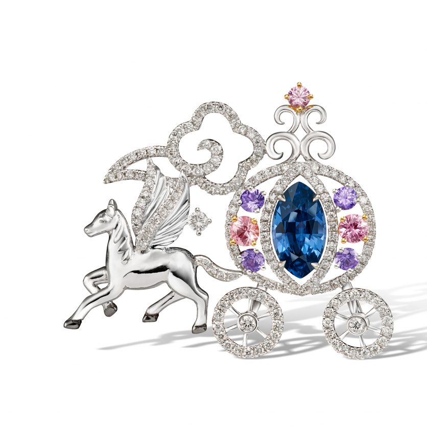 Enchanting Horse Carriage Pendant cum Brooch