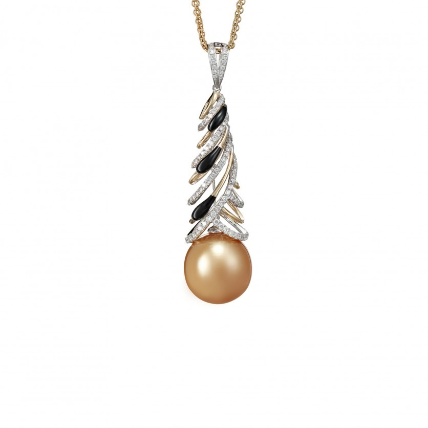 Mesmerizing Pearl Necklace