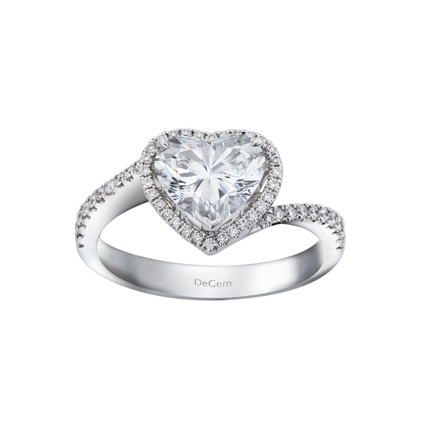DeGem Romantic Heart-shaped Diamond Micropavé Solitaire Ring