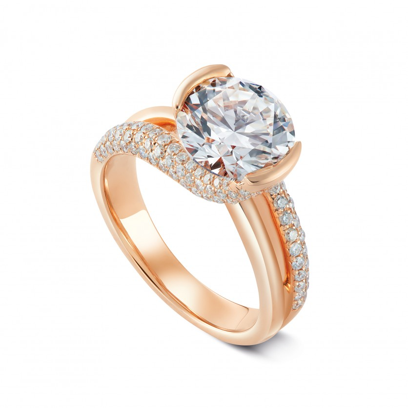 Solitaire Diamond Ring with a Twist
