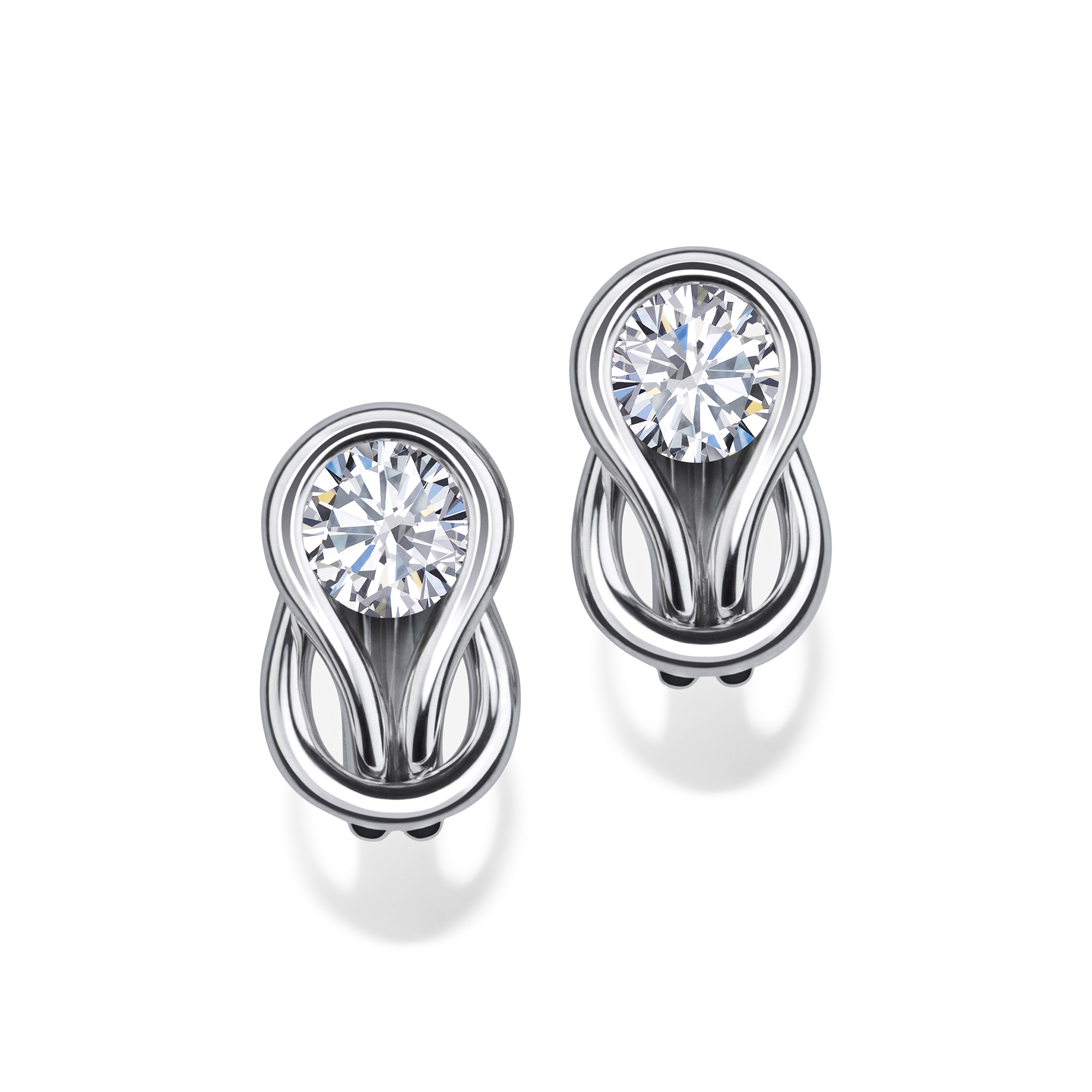 gold robinson m stud earrings pearl diamond white david solitaire