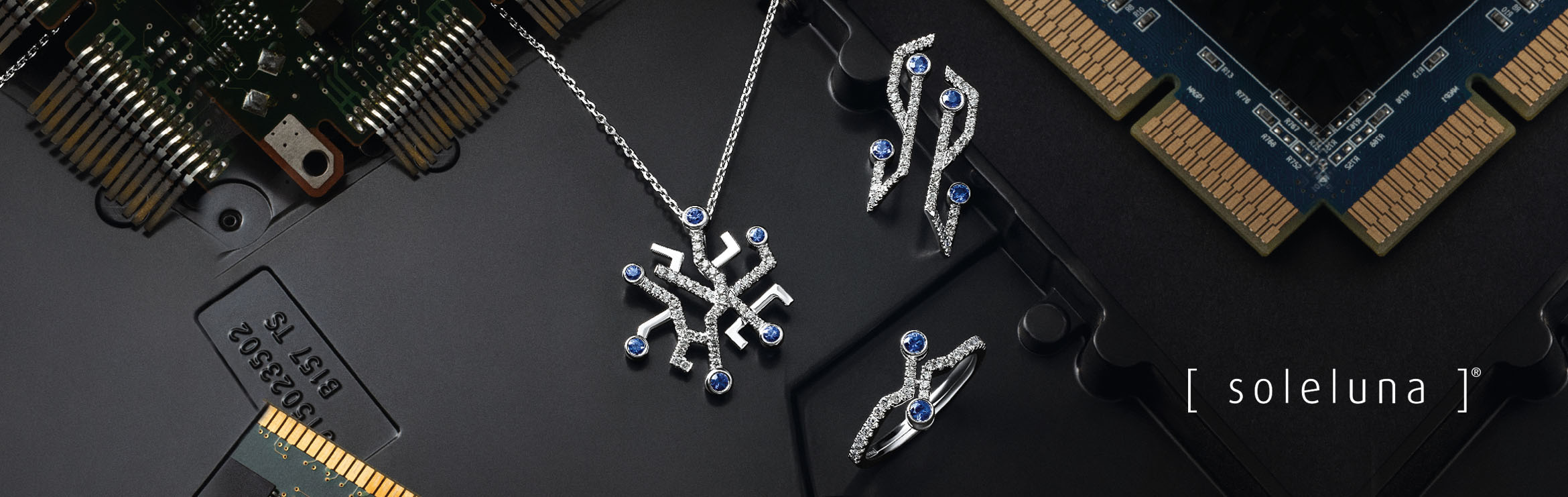 Soleluna AURY Folding Fan Diamond Necklace